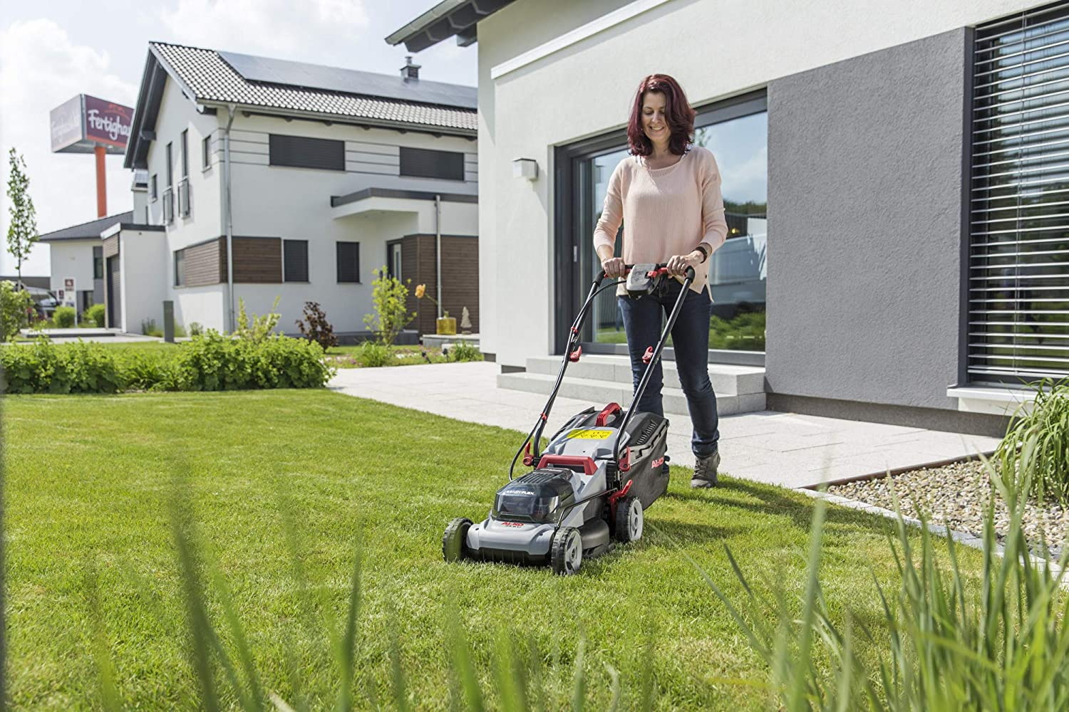 Let's explore the best cordless lawn mowers with their pros and cons. It focuses on batteries, costs, and cutting lengths of cordless lawn mowers