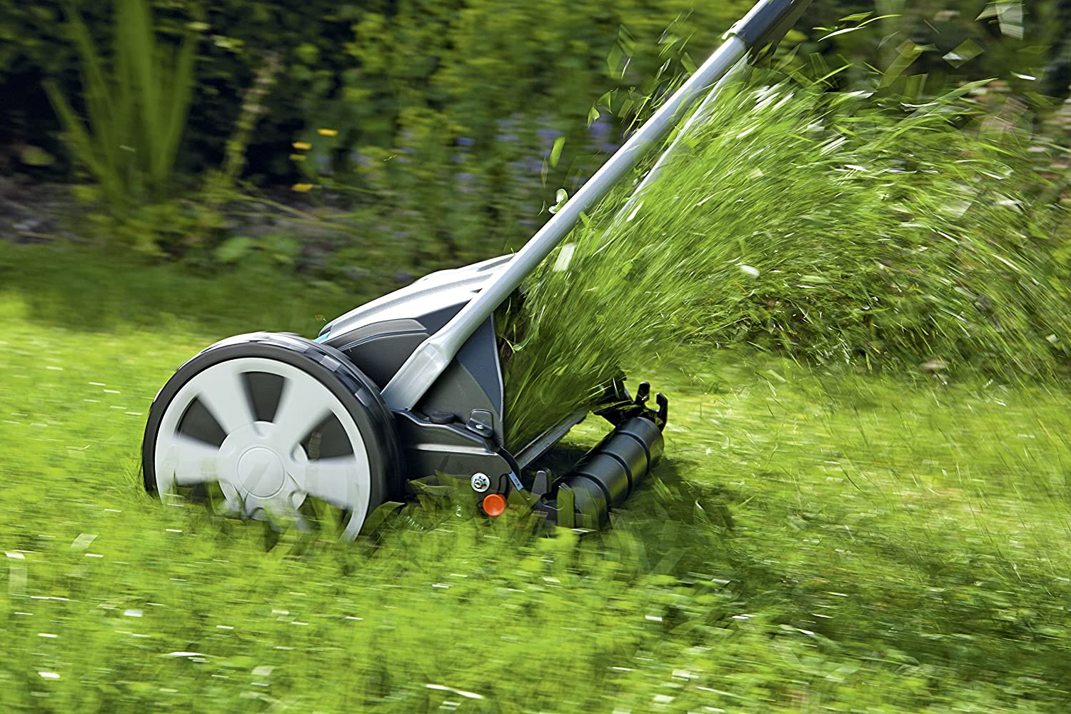 Best Cylinder Lawn Mowers UK